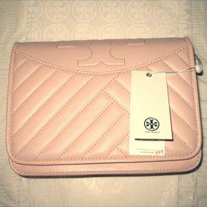 Handbags - BNWT Tory Burch Alexa Combo Crossbody - Shell Pink